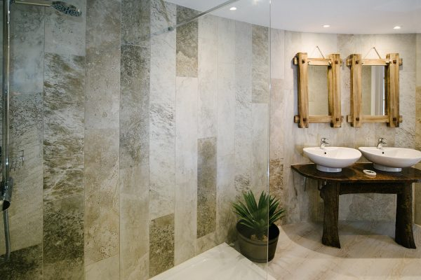 shepherds rest ensuite 600x400 - Gallery